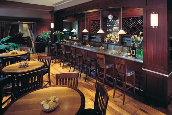 The bar at Lawry's The Prime Rib Dallas