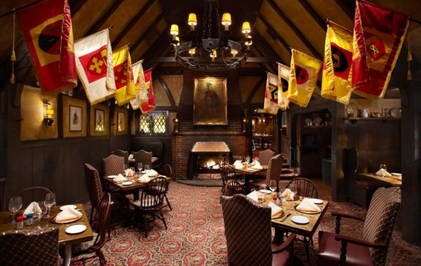 The Tam O'Shanter's main dining room is filled with Scottish charm.